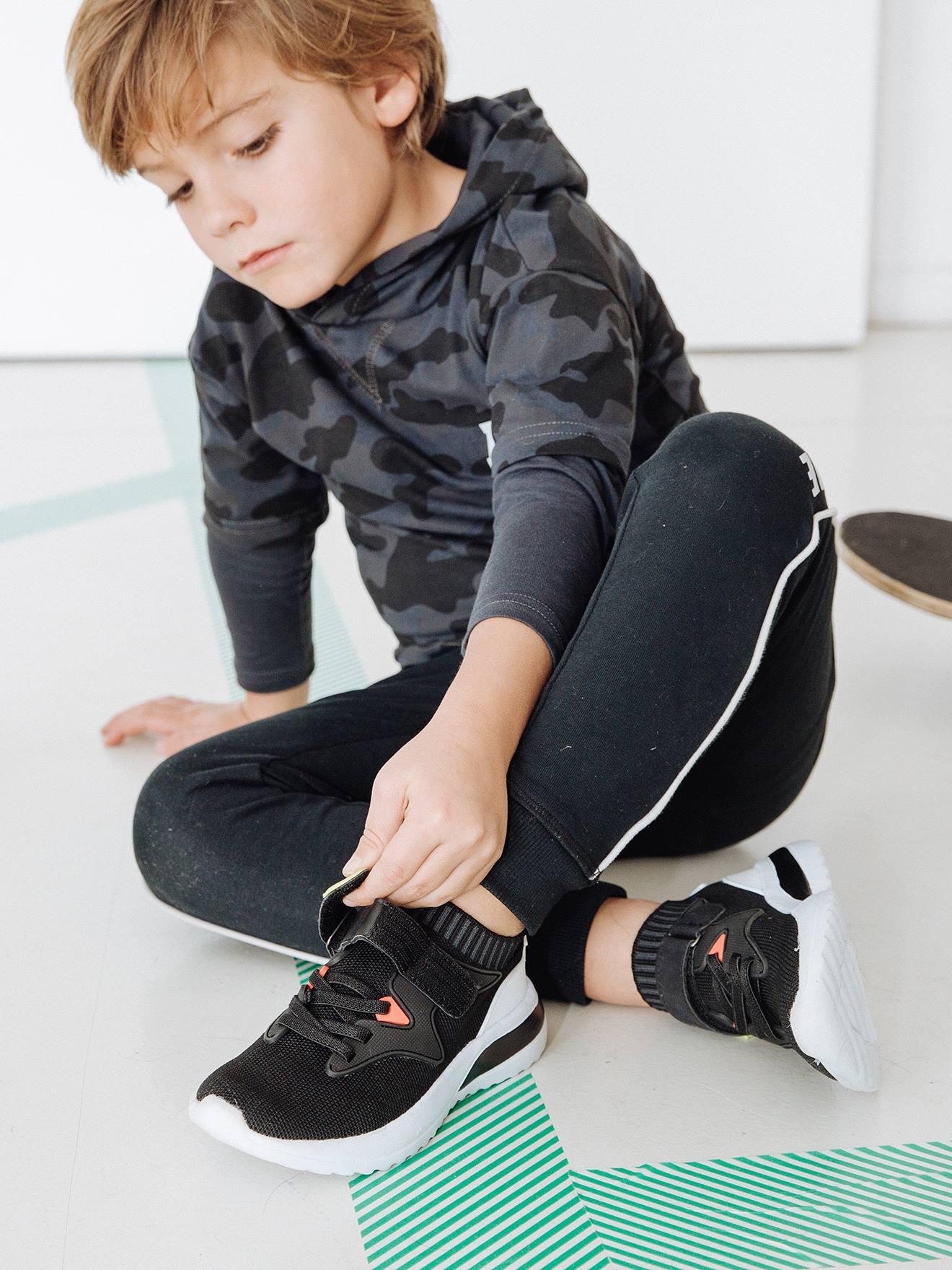 Conjunto Deportivo De Camiseta Y Pantalon Jogger Para Nino Gris Oscuro Estampado Vertbaudet