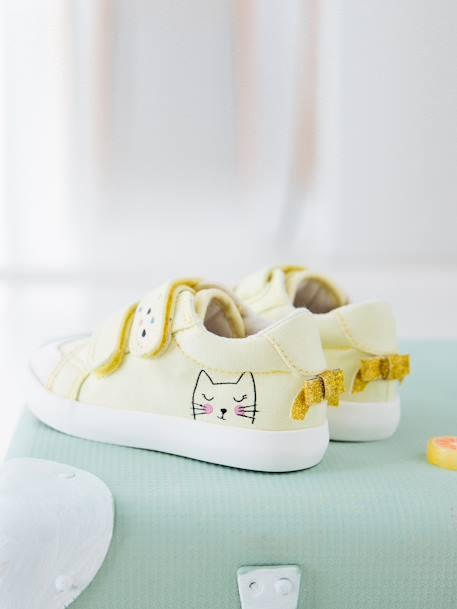 2a9d602397 Zapatillas deportivas de lona con tiras autoadherentes bebé niña AMARILLO  CLARO LISO CON MOTIVO+AZUL